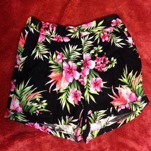 ❌SOLD❌Forever 21 tropical shorts