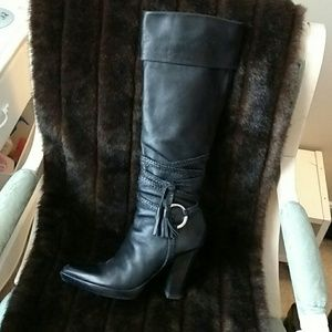 Vince Camuto Western Style Boots