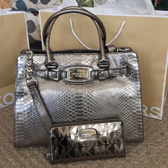 cb59c528367d Michael Kors Bags | Authentic Silver Metallic Mk Bag No Wallet ...