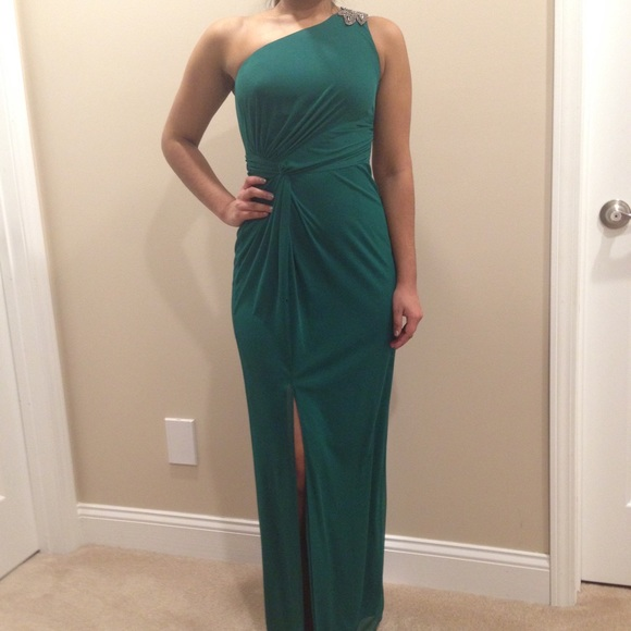 49% off Adrianna Papell Dresses & Skirts - Hailey Logan One ...