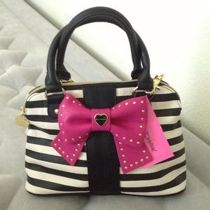 NWT Betsey Johnson handbag/crossbody