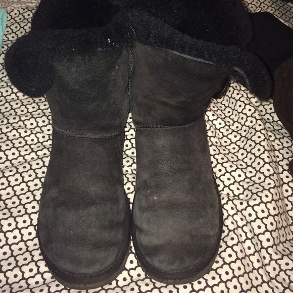 black bailey button ugg boots