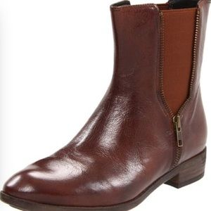 Caressa Zipper leather boots