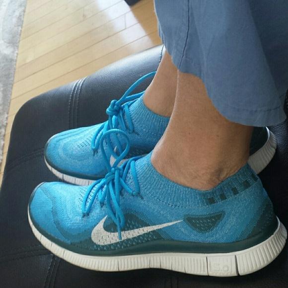 Nike knit trainers ( fit like a size 10 womens). M 54ce34e7e989556128157ed0 923ae9a4ae
