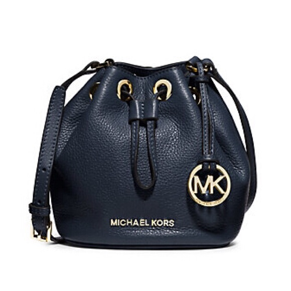 3b5ba28577dc NWT MIchael Kors Jules mini bucket bag crossbody