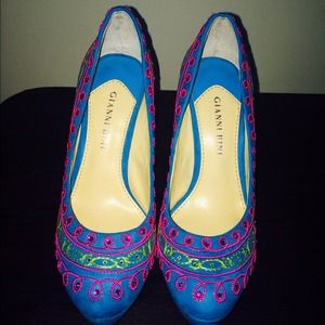 Gianni Bini Shoes - Gianni Bini colorful heels