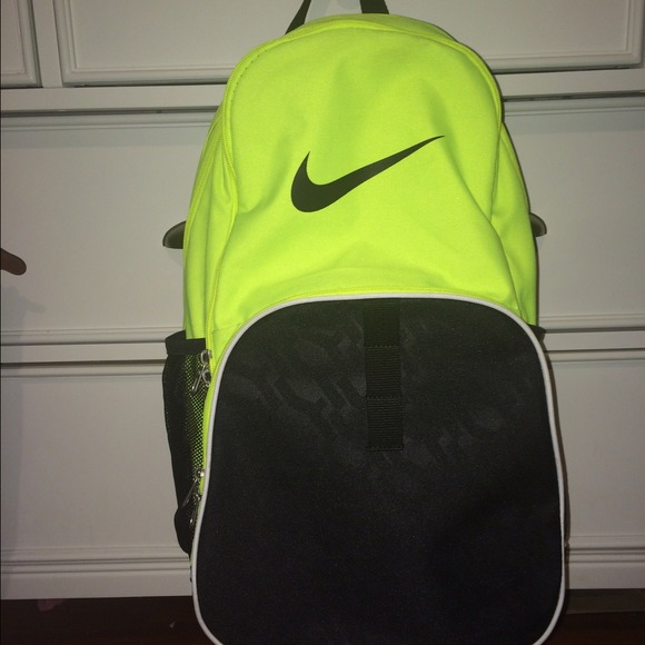 074e9baa86 Nike Brasilia 6 XL Backpack. M 54ceb6830fb6cd306b19d642