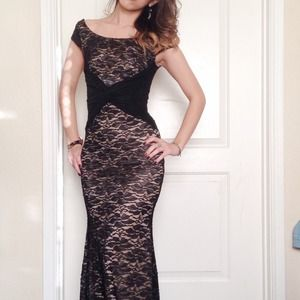 Dresses & Skirts - Black lace gown dress