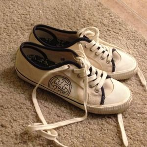 Tory burch sneakers - size 7