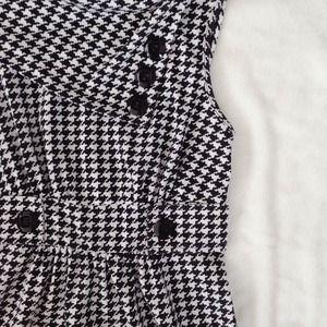 ModCloth Dresses - Houndstooth Coach Tour Dress