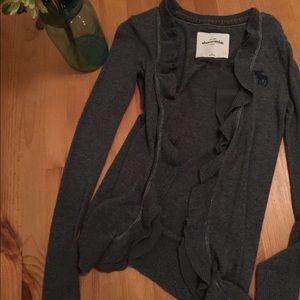 Abercrombie gray sweater // xs