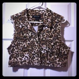 Jackets & Blazers - Cheetah Print Jean Vest