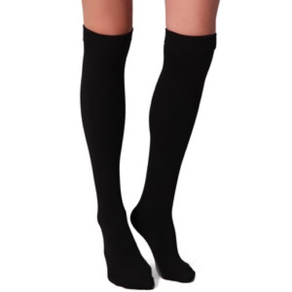 c1ba9ee6831 3 Banana Republic Diamond Pattern Knee-High Socks