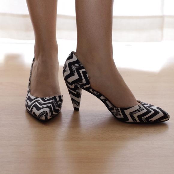 61 laundry shoes chevron pumps black and