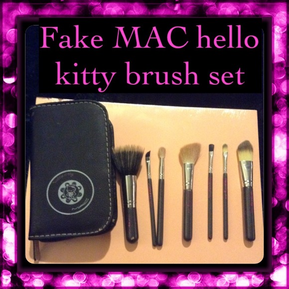07fd603bf Fake Mac hello kitty makeup brushes. M_54cf72f12fd0b76848025bc8