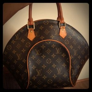 94fbdf8e23f1 Louis Vuitton Bags - LV purse