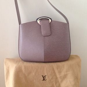 Louis Vuitton Reverie Lilac Leather Shoulder Bag