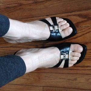 Strapless black heels