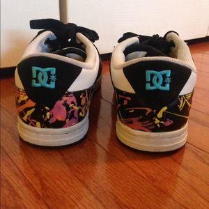 dc shoes paint splatter skateboard sneakers poshmark rh poshmark com DC Shoes Ken Block Logo Paint Splatter Boots