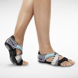 Nike Shoes - Nike Studio Wraps