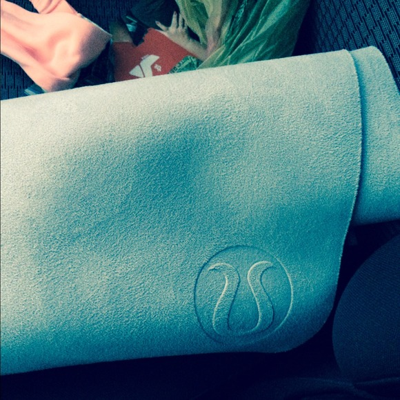 lululemon athletica - Lululemon hot yoga mat! Used a ...