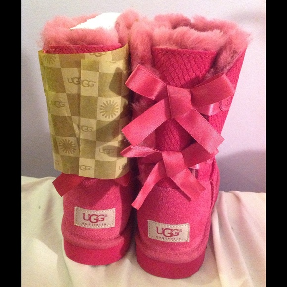 pink bailey bow uggs sale