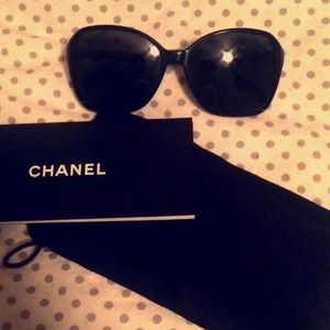 Chanel Oversize sunglasses