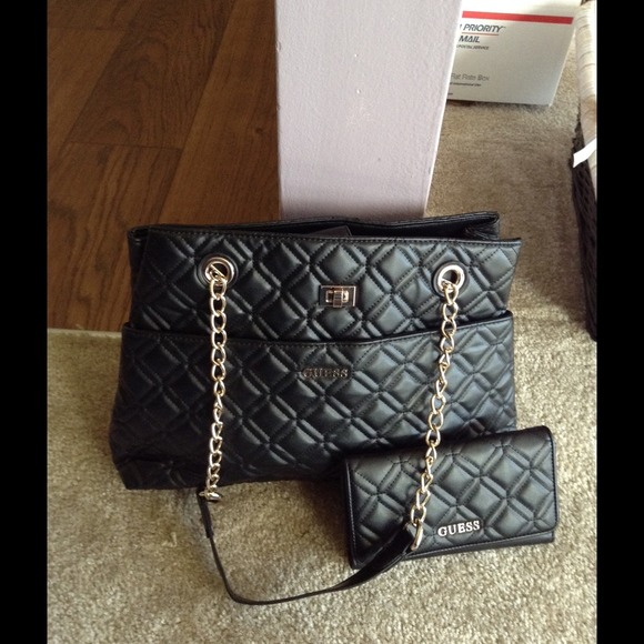 Guess Bags | Quilted Black Bag With Wallet