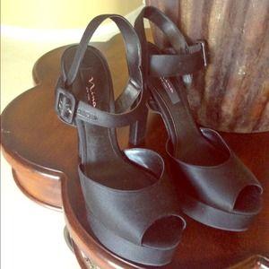 Nina Ricci Shoes - Black platforms New