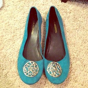 Blue and gold pendant ballet flats