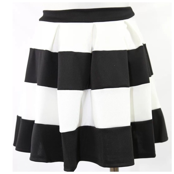 The Vintage Shop - Black & White Nautical Stripe Skater Skirt ...