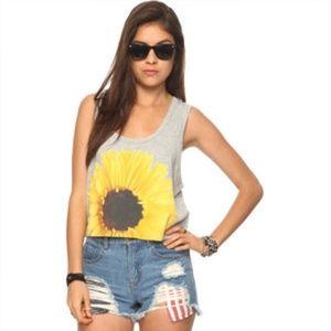 25% off saleF21 sunflower crop top