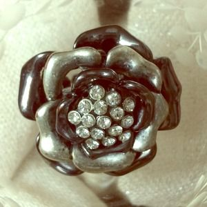 Jewelry - Rhinestone Flower Multi Metal Ring