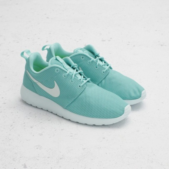 cheaper b3e05 73a45 ... white 21696 361a7 promo code nike roshe run mint color 17cb3 d426f ...