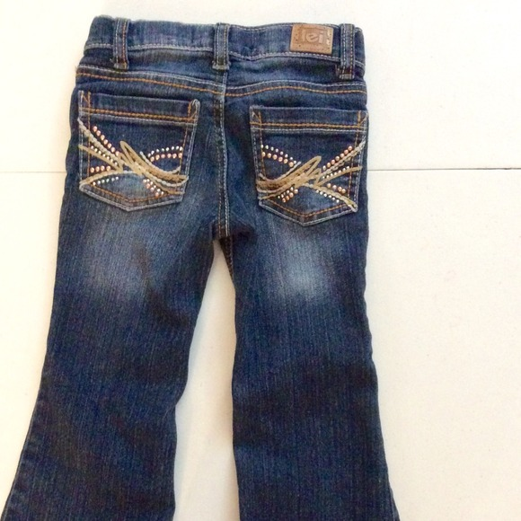 shinobitech.cf: Girls' LEI Jeans. Interesting Finds Updated Daily. Amazon Try Prime All jeans, flower chain and lei to have an edgy look. Boys, girls Previous Page 1 2 3 7 Next Page. FREE Shipping. All customers get FREE Shipping on orders over $25 shipped by Amazon. Show results for.