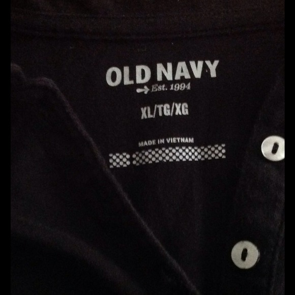 Old navy black old navy tee shirt trade from shari 39 s for Do true religion shirts run small or big