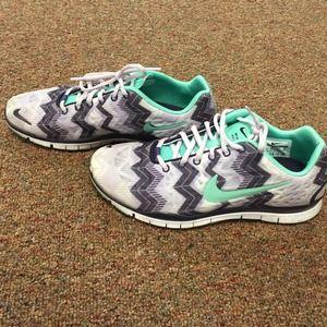Chevron Nike Shoes Mint