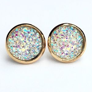 thejeweladdict Jewelry - 3 for 15🎀clear flat Drusy style gold studs