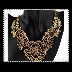 NWT Gold-tone Statement Necklace/Choker/Bib