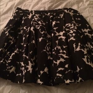 H&M Dresses & Skirts - ‼️️FLASH SALE‼️ H&M Black & white bubble skirt