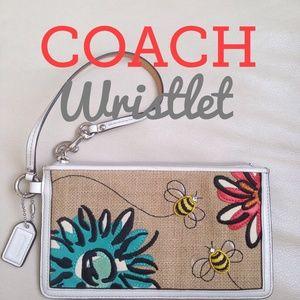 Coach Clutches & Wallets - Authentic Coach Wristlet🌼🐝🌺