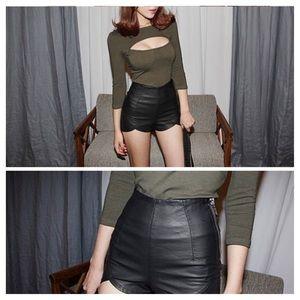Pants - Pyramid Cut Shorts