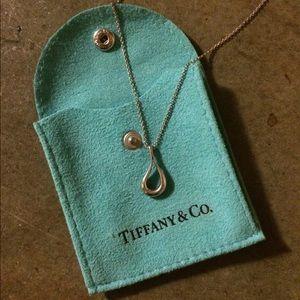 Tiffany & Co silver Elsa Peretti teardrop necklace
