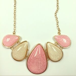 Gorgeous statement necklace!!!