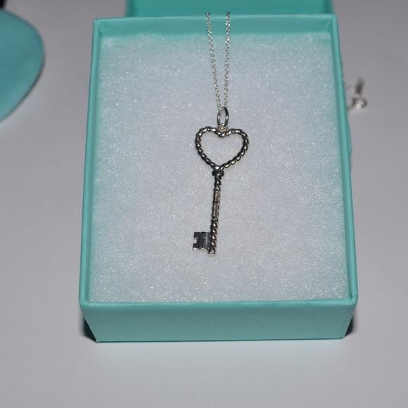 8387ded56f99 SALE SALE📢 T   Co Twisted Heart Key Pendant Chain