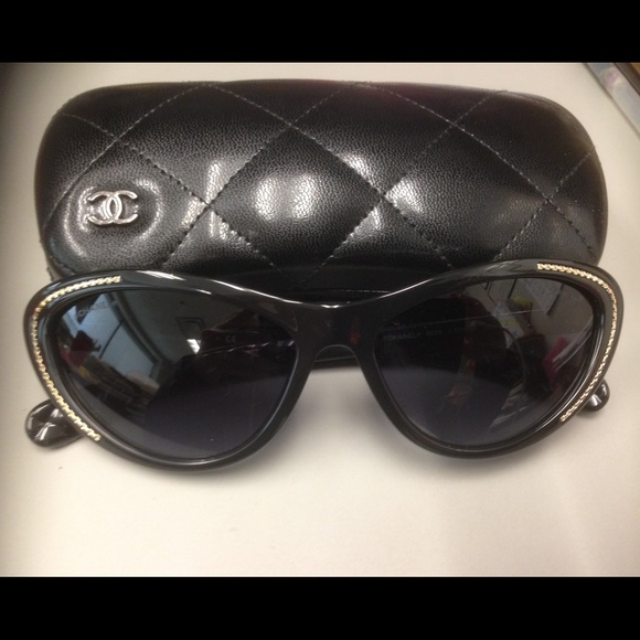 d0d6bd2257853 CHANEL Accessories - CHANEL black cat eye sunglasses with gold chain