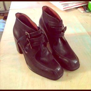CRAK Gino Cherruti ankle boots