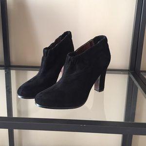 c6c84d0db676 🎉HOST PICK🎉Sam Edelman black suede booties