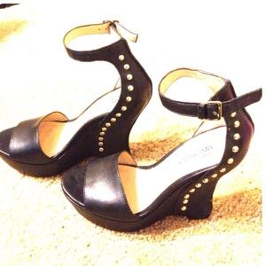 Steve Madden Black Wedge Sands