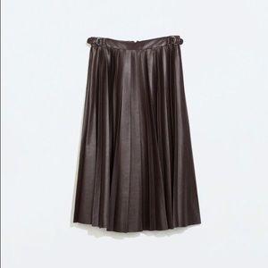 52 zara dresses skirts zara faux leather pleated